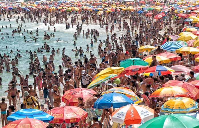 Wil je stranden als deze vermijden? ? Kijk op reddit, chat met locals en zoek uit waar je heen kunt. Of waar je liever niet heen moet gaan …