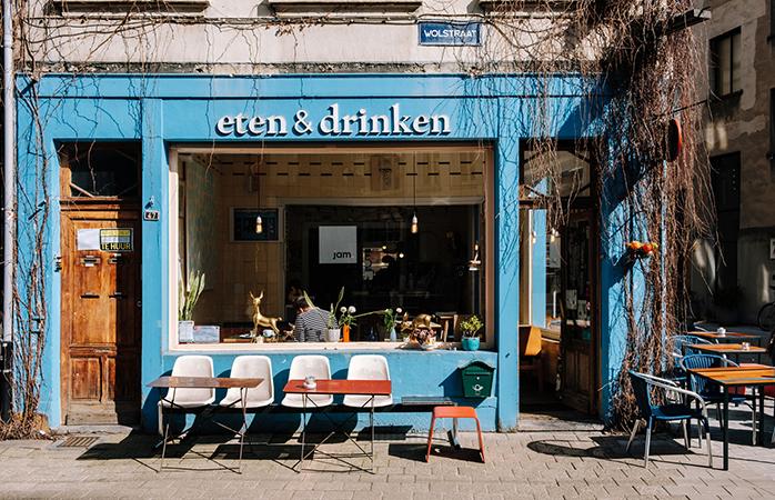 Ook qua eten en drinken kun je in Antwerpen alle kanten op: de stad heeft het beste van zowel de lokale als de internationale keuken te bieden.