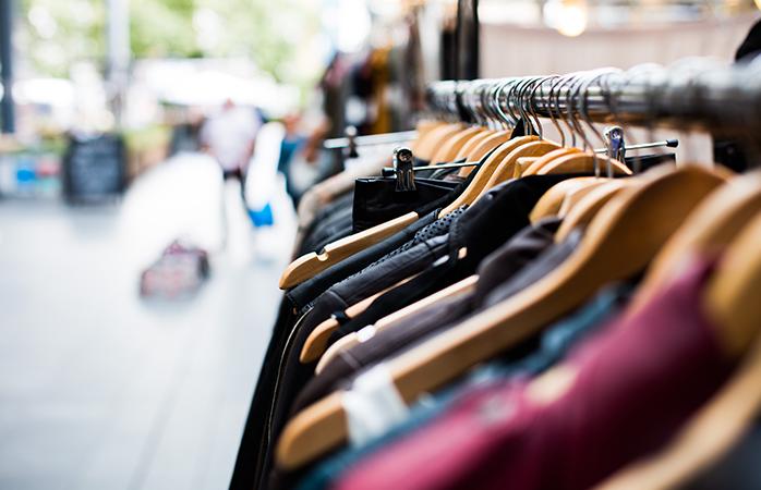 In Antwerpen is er altijd wel een leuke markt te vinden: of je nu graag tussen vintage kleding snuffelt of van markten houdt met groente en fruit, antiek of specerijen.